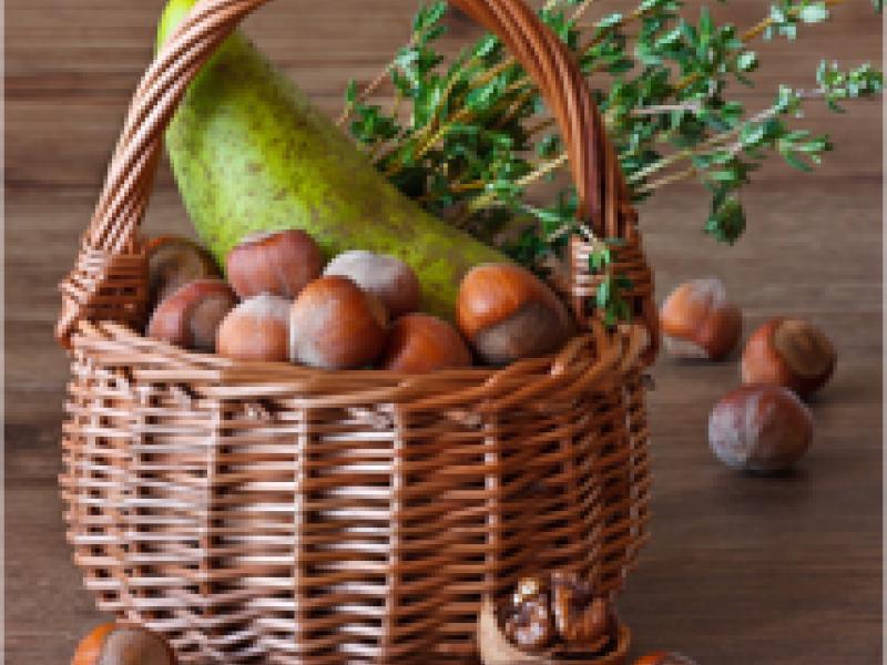 Cobnut and pear salad